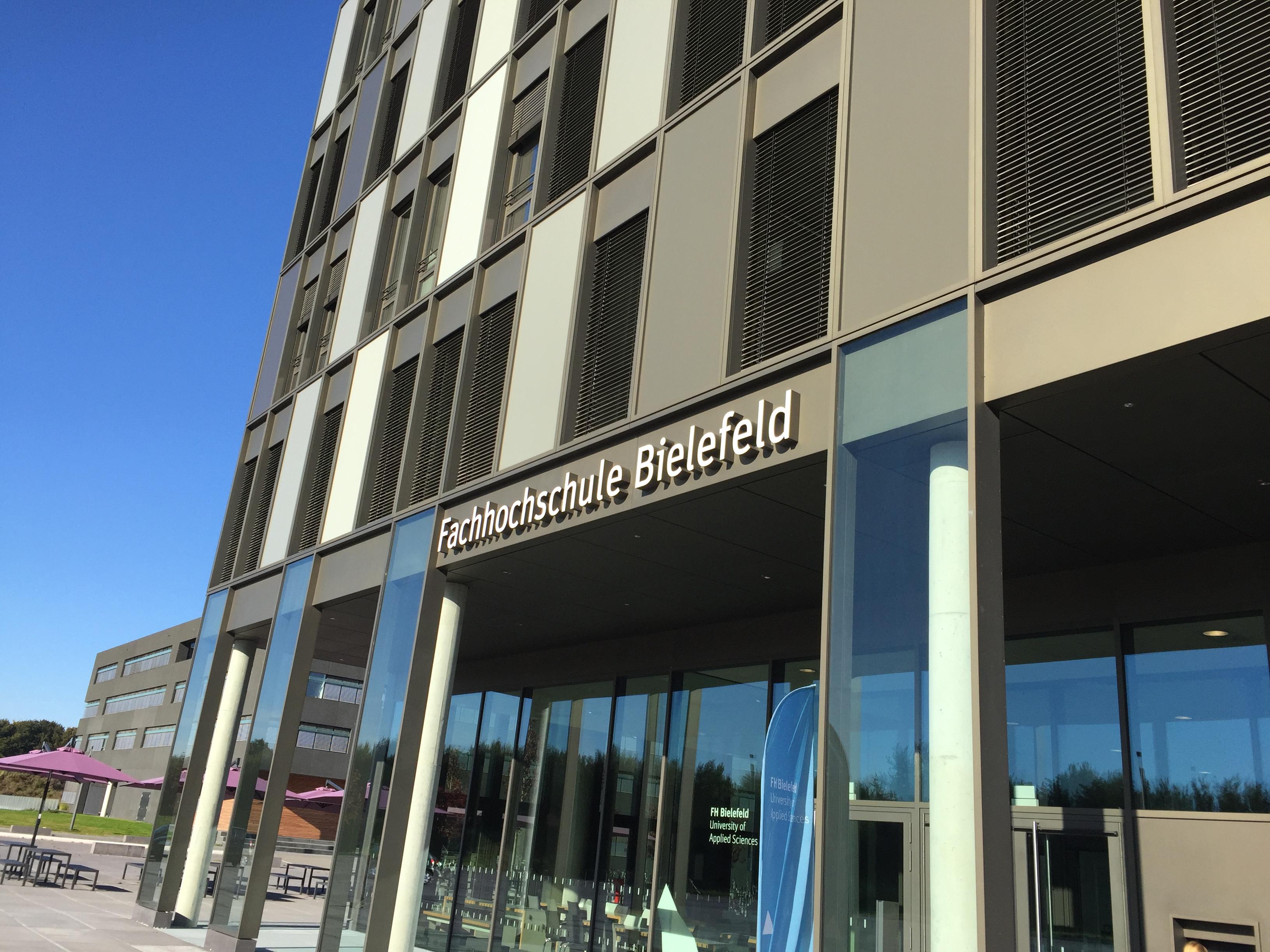 De Fachhochschule Bielefeld (Foto: Frans Hetyey)