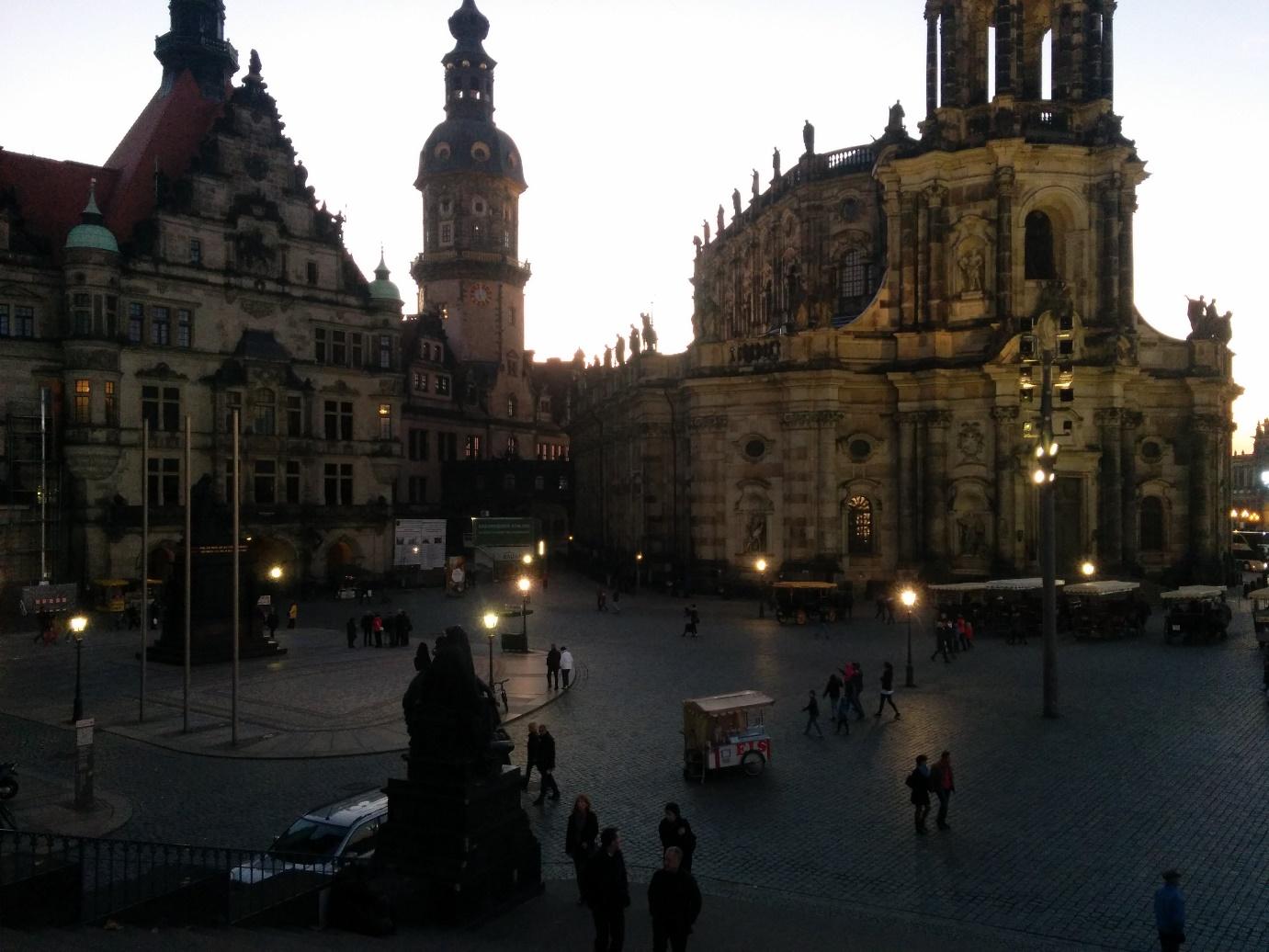 Der Schloβplatz in Dresden (Foto: Kas de Valk)