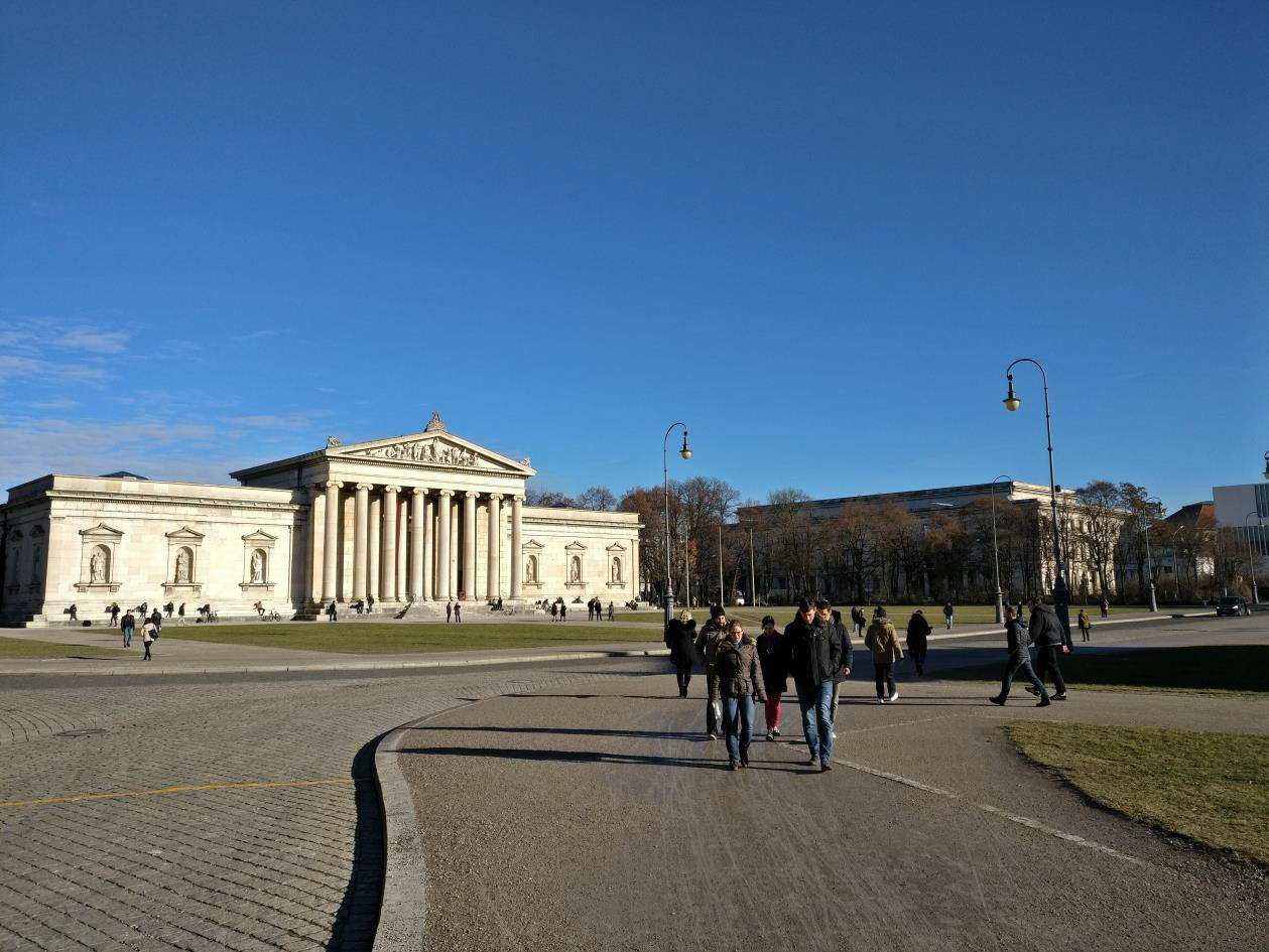 Königsplatz met de Glyptothek, vlakbij een van de faculteiten waar ik onderwijs heb.